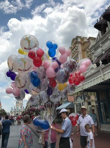 main street balloons