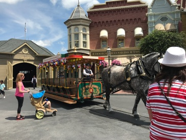 main street trolly2